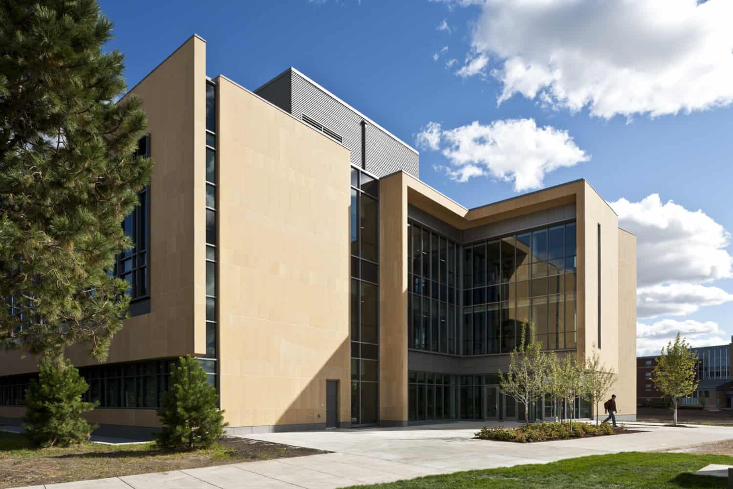GUSTAVUS ADOLPHUS COLLEGE WARREN AND DONNA BECK ACADEMIC HALL