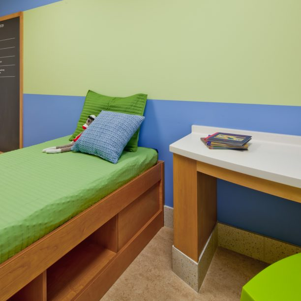 UNIVERSITY OF MINNESOTA MASONIC CHILDREN'S HOSPITAL CHILD/ADOLESCENT MENTAL HEALTH PROGRAM
