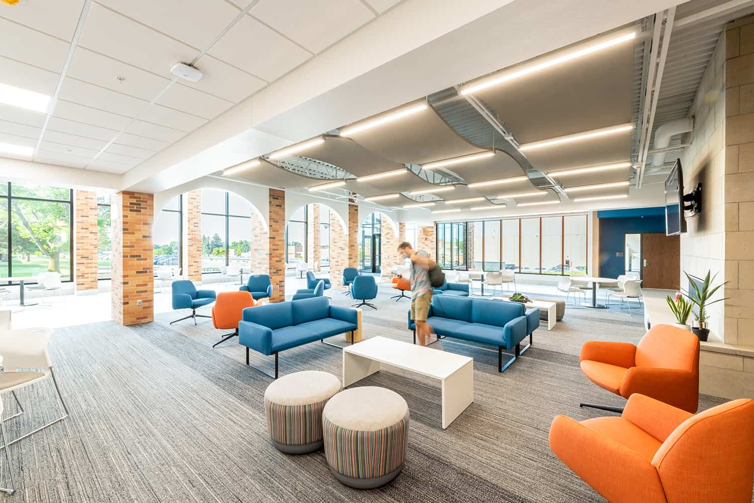 The Commons Area in the Healthcare Center of Learning with open seating options, high ceilings, abundant daylight, and access to labs and classrooms.
