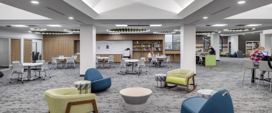 Open tutoring lounge with a variety of workstations.